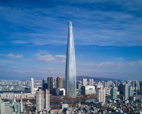 555-метровый Lotte World Tower в Сеуле